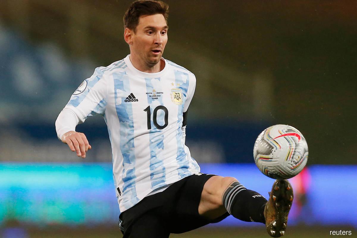Messi scores unusual goal as Argentina beat Uruguay 3-0