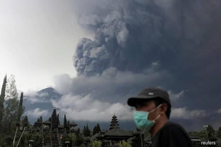 MAS, AirAsia suspends flights between KL and Denpasar-Bali after Mount Agung eruption