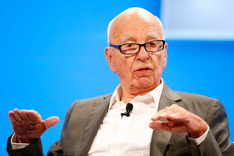 Rupert Murdoch gives up bonus after News Corp posts US$1 bil loss