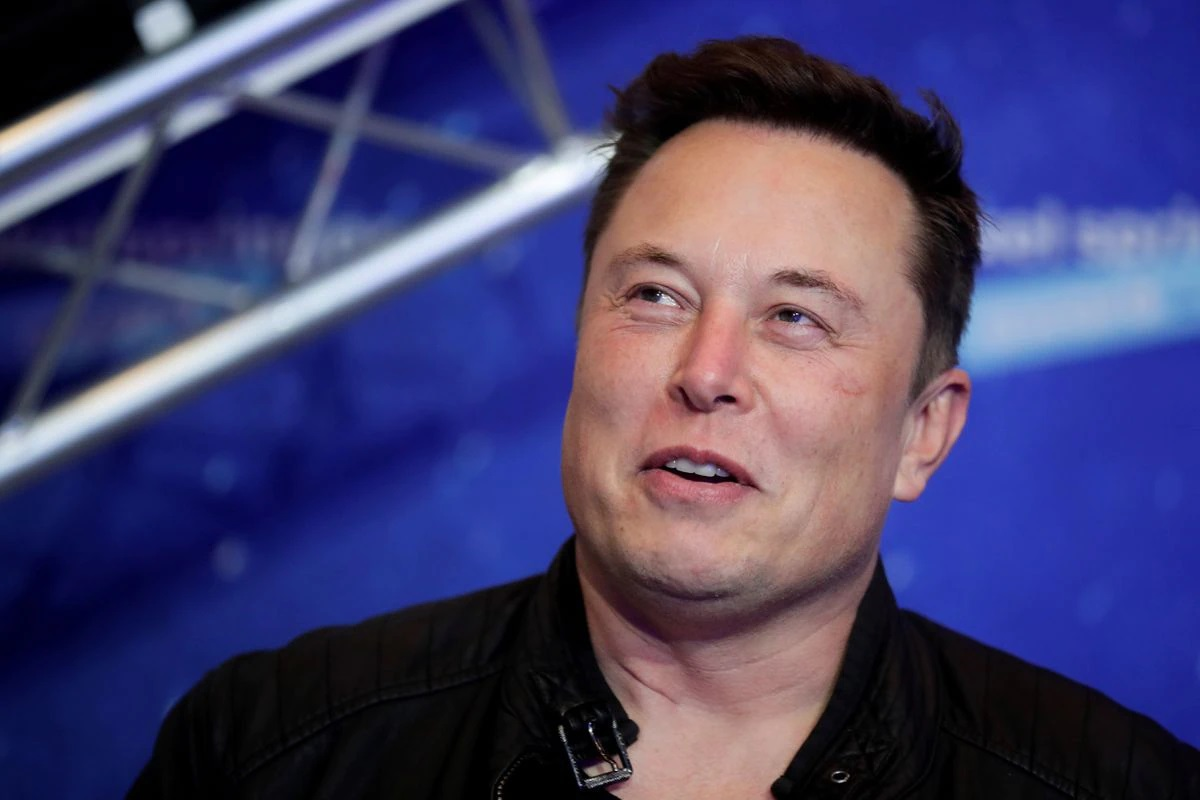 Elon Musk says he's putting last remaining house on the market