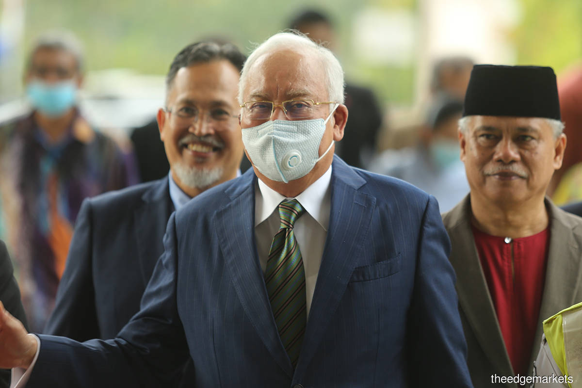 Najib back in court as Shahrol cross-examination continues