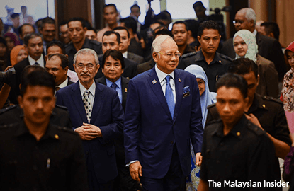 So when is Najib quitting, social media users ask after Mukhriz steps down