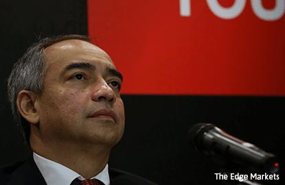 Nazir Razak tells shareholders he is taking leave effective today
