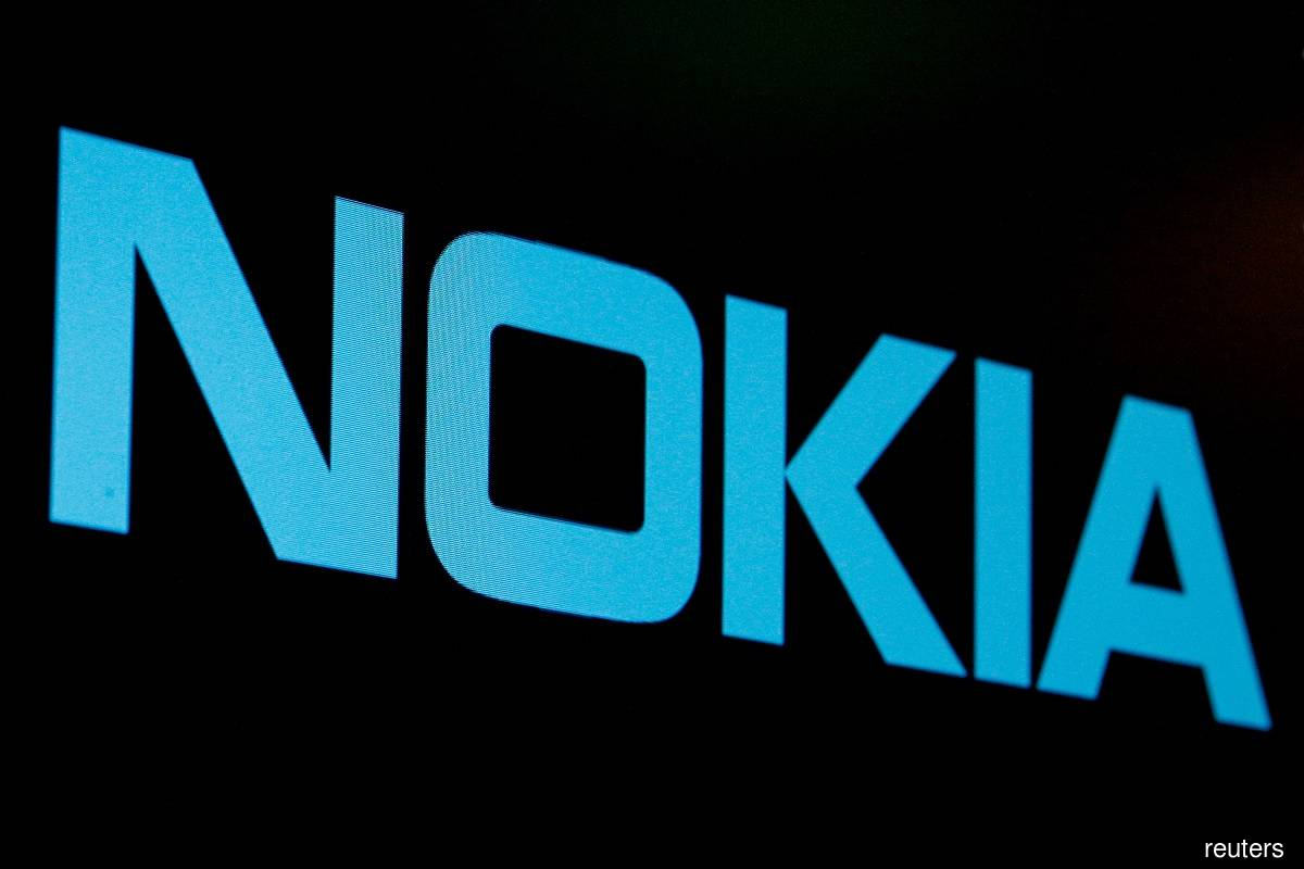 Nokia selected to build mobile network on moon