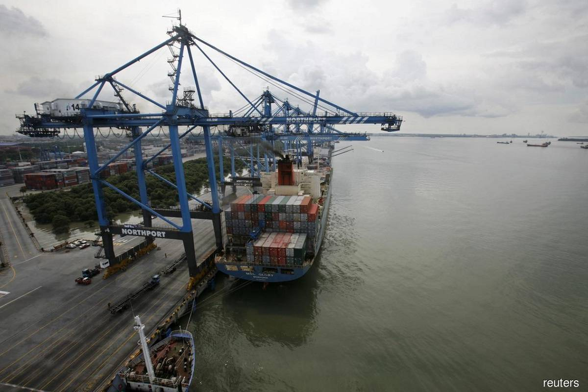 Malaysia's August exports, imports skid