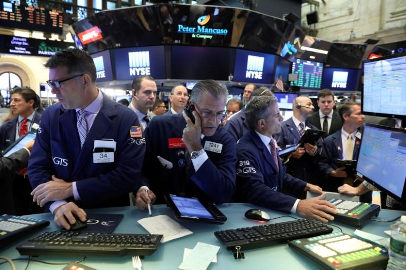 S&P 500, Nasdaq eke out new closing highs
