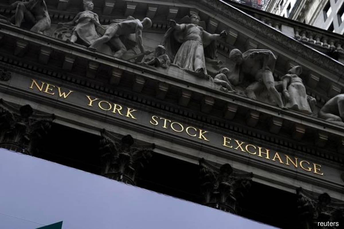 Wall Street rebounds as market eyes tech results, strong U.S. data