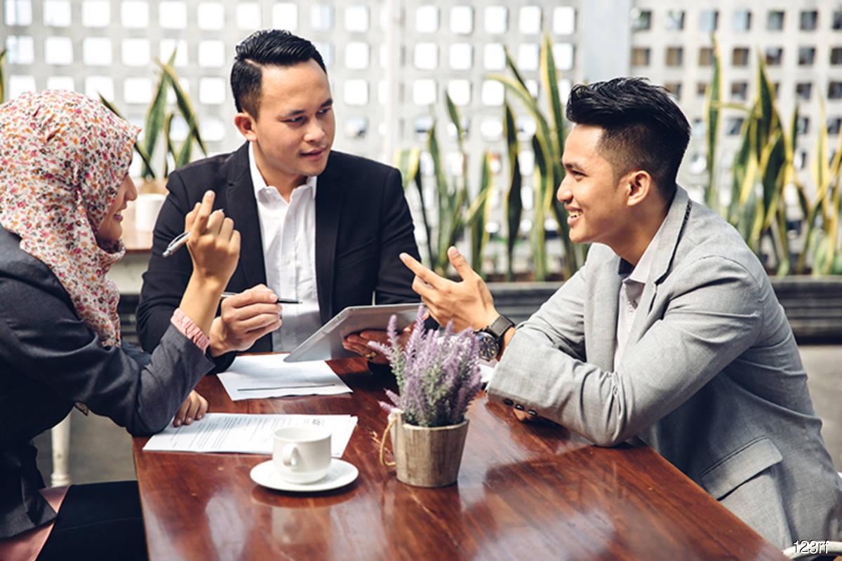 Talentbank: Salary, bonus top priority in job search