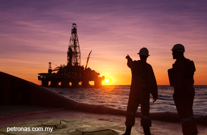 O&G counters slip after steep plunge in crude oil prices