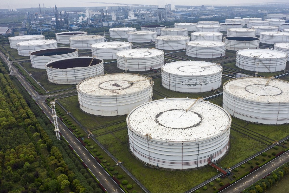 Oil bulls buoyed by Chinese traffic jams and busy factories