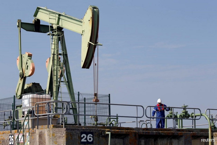 Brent crude oil rises back to $60 a barrel