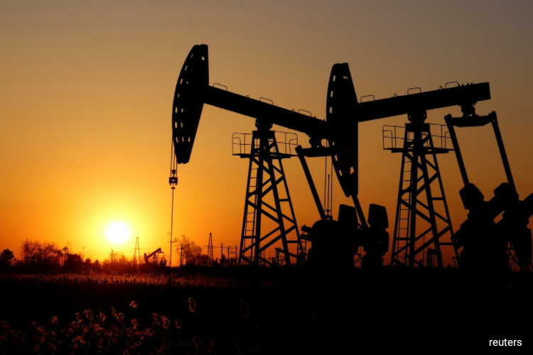 Oil rises on signs of economic recovery, ignoring surging infections