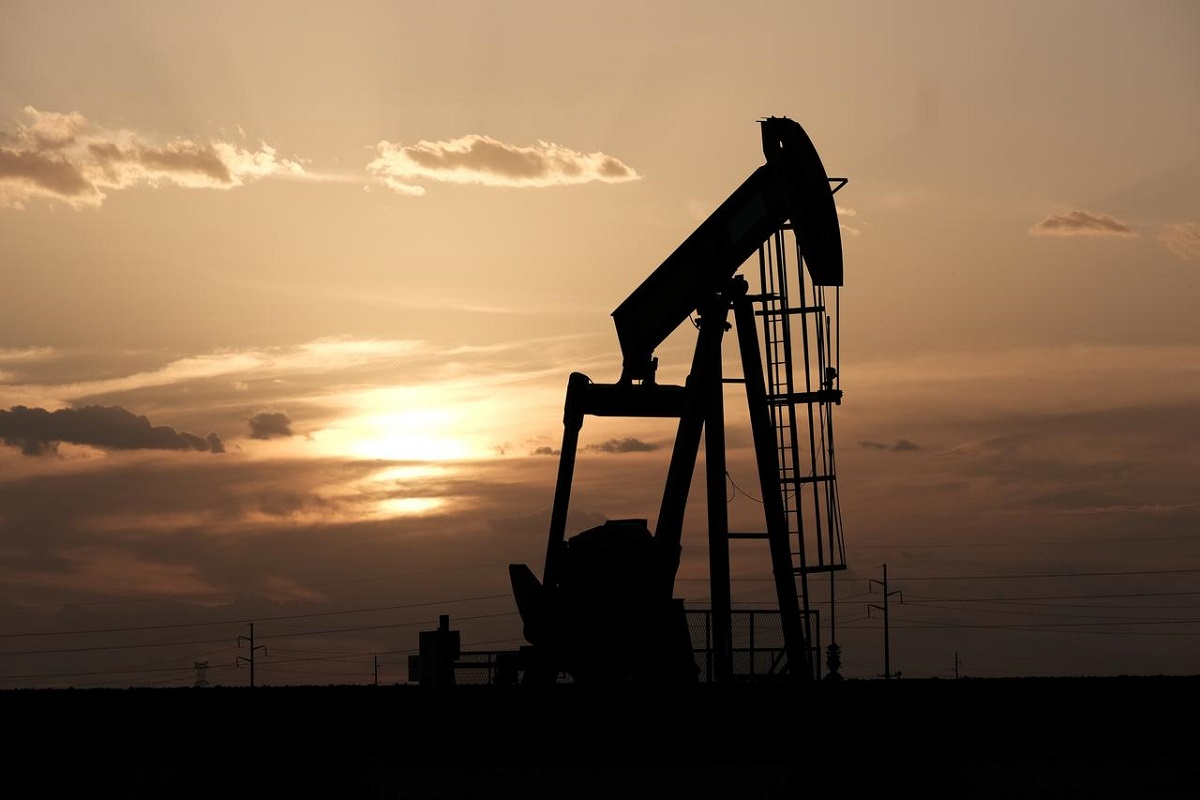 Oil falls, ends week about 2% lower on supply increase, new lockdowns