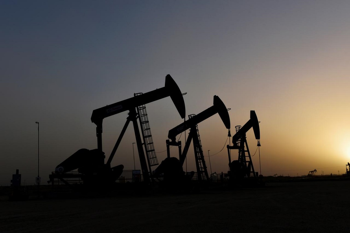 Oil falls on mounting Covid-19 cases, supply concerns