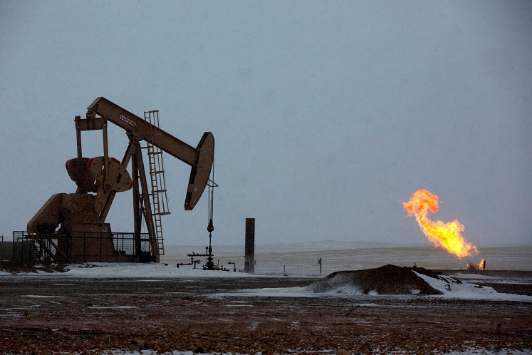 Oil prices jumped US$1 as recent sharp falls draw investors