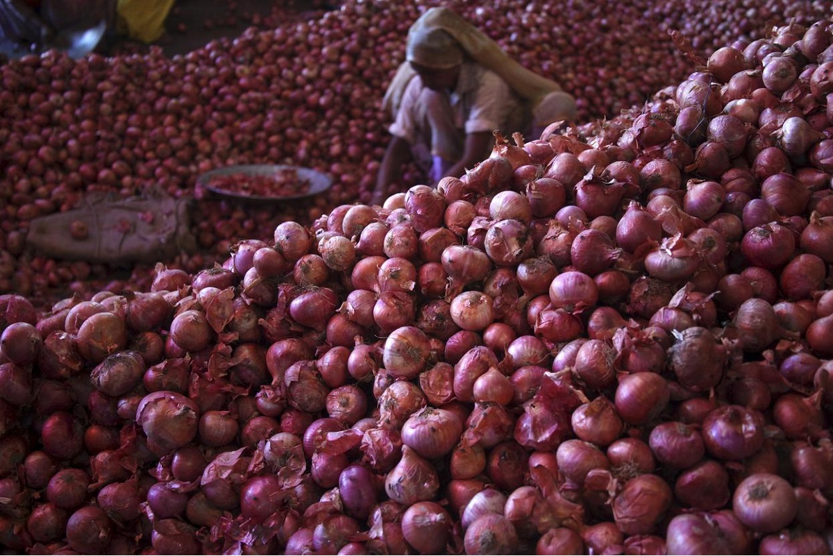 Onion prices spike in Bangladesh after India bans exports
