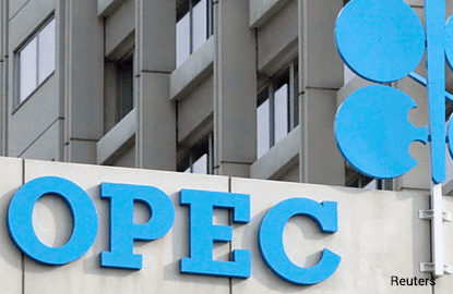 OPEC deadlocked as Iran, Saudis harden positions on oil deal