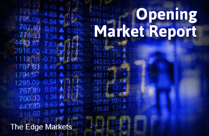 KLCI edges up in early trade, select blue chips lift