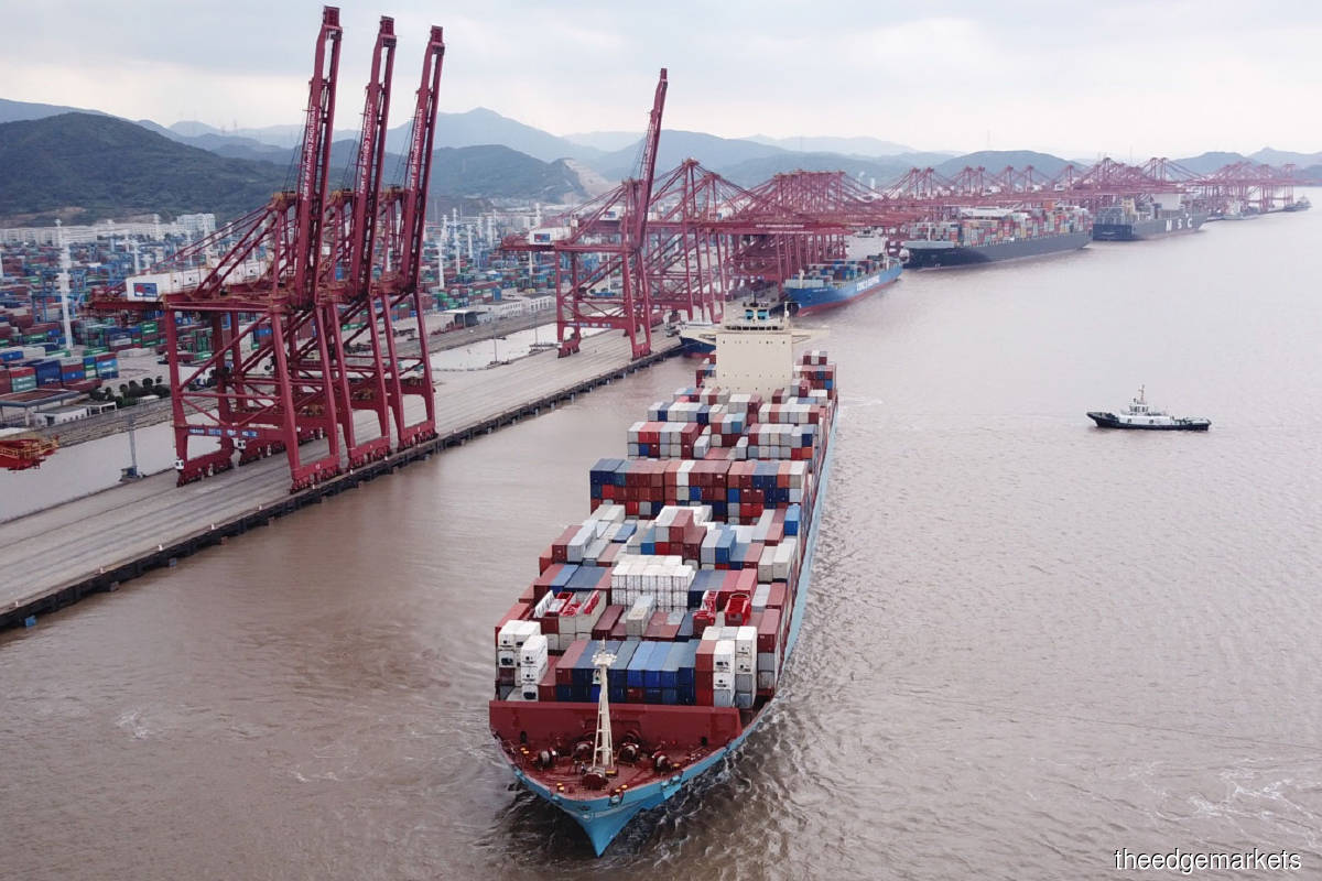 No easy solution to global container shortage