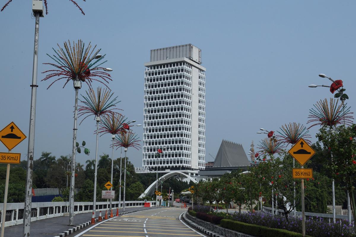 Amid commotion, new Speaker adjourns Parliament sitting until tomorrow