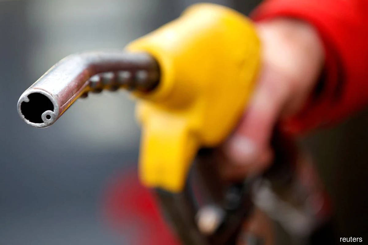 Asia crude oil imports recover in October, China stays weak