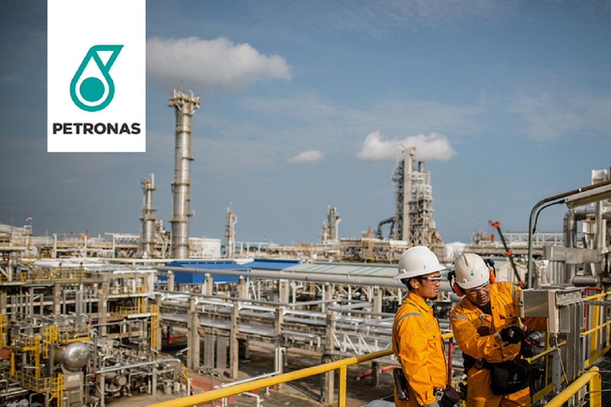 Petronas Chemicals climbs to highest in over two years as Pengerang refinery restart fuels optimism