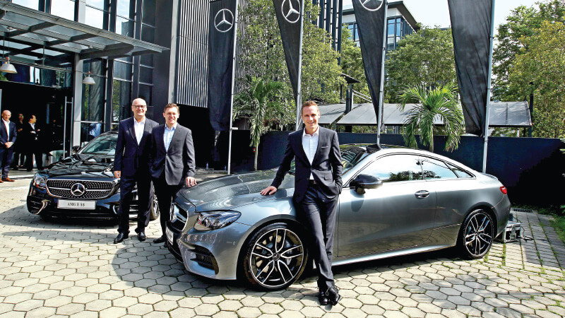 (From Left) Mercedes Benz Malaysia Vice President (customer Services)  Heinrich Schromm, Weidner And Raine At The 3Q Announcement.