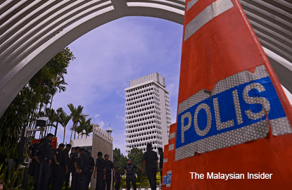 Cops launch probe into Zahid's topple government claim