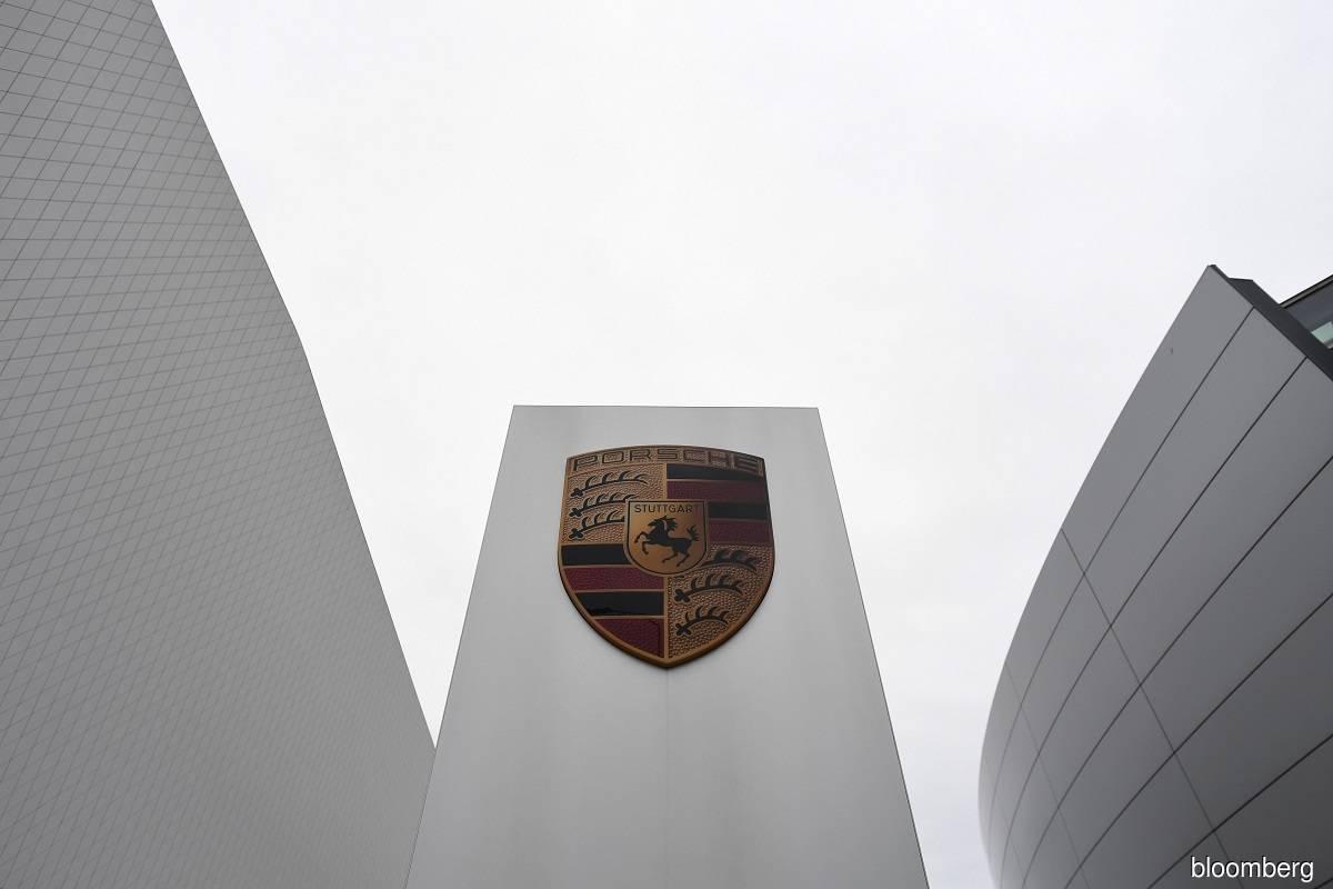 German car authority investigates Porsche over fuel consumption data — report