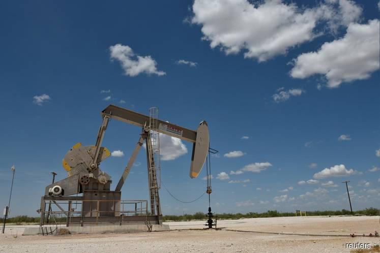 Oil slumps 3 percent as stock markets sink