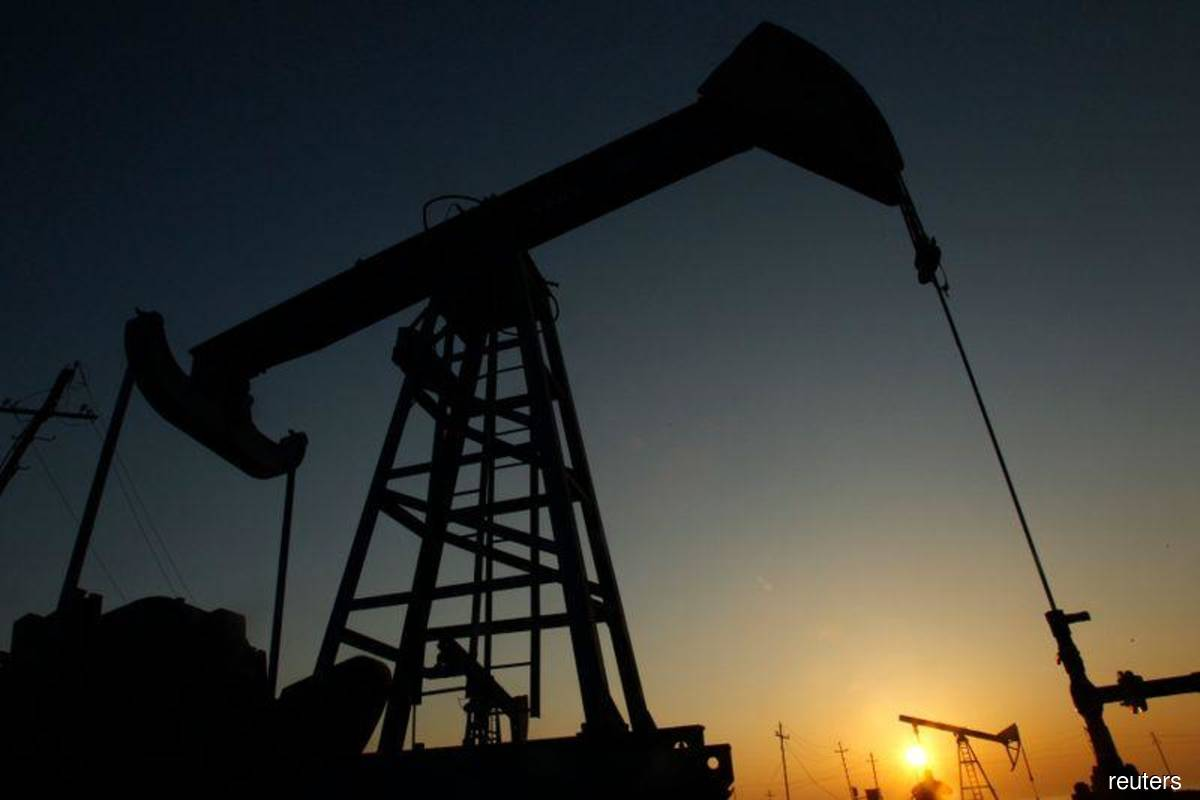 Oil steady as COVID-19 cases, lockdowns dampen vaccination news