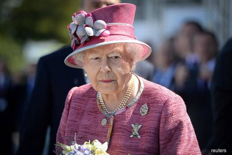 Royal showdown: Queen to chair crisis talks over Meghan and Harry