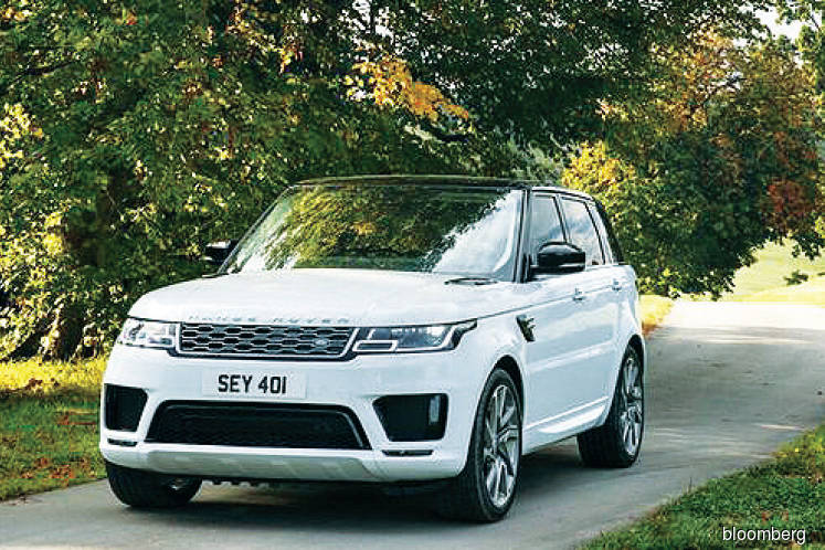 Range Rover's plug-in hybrid loses two cylinders