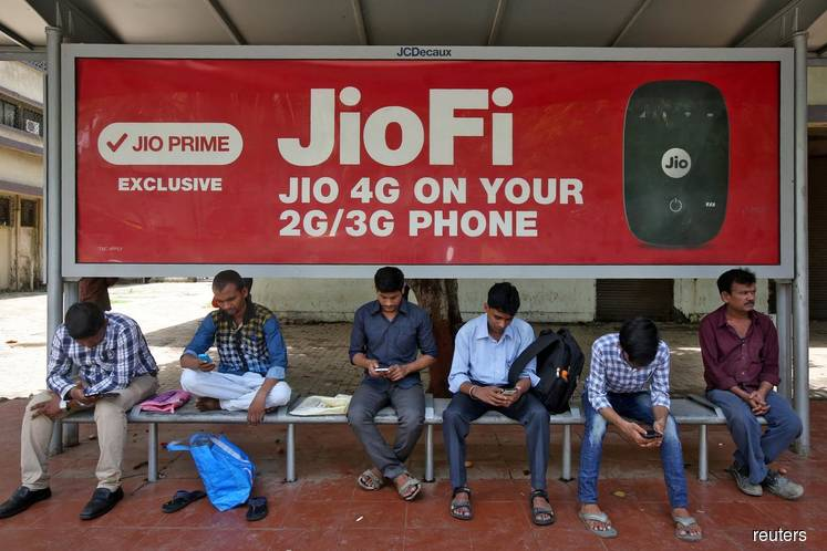 India's Reliance Jio overtakes Bharti Airtel to become No.2 operator