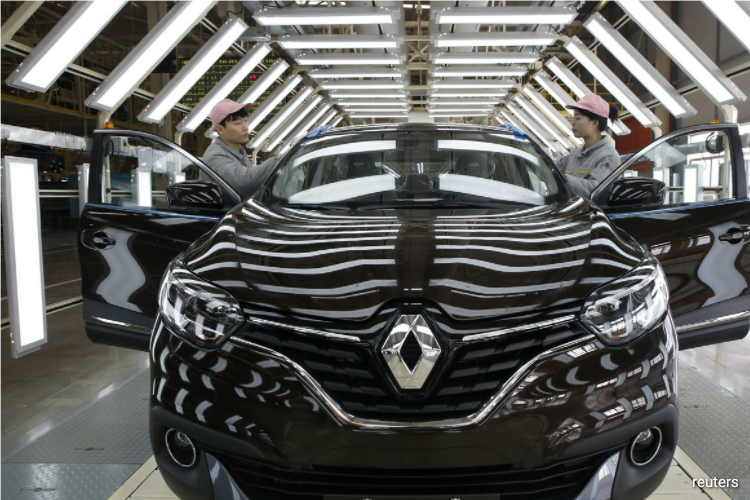 Faced with a downturn in demand compounded by the coronavirus crisis, Renault is aiming to find 2 billion euros ($2.22 billion) in savings over the next three years as it shrinks production and hones in on more profitable models. (Photo by Reuters)