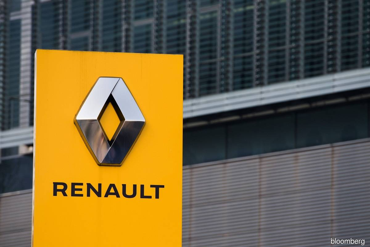 Renault lays out plan to cut 2,000 French jobs in EV shift