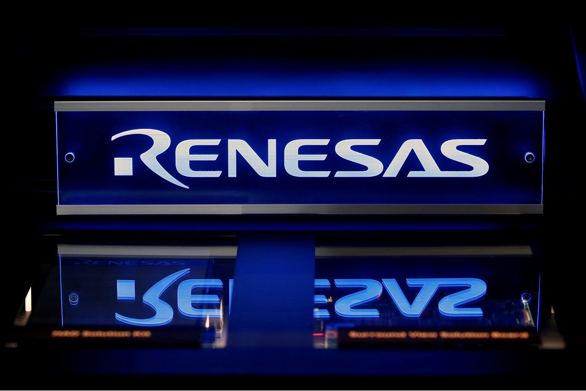 Renesas says to restore full capacity at fire-damaged chip plant by end-May