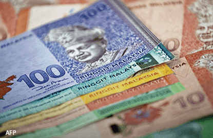 Ringgit down at 4.4797, continues fall amid prevailing US economy optimism