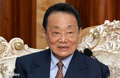 Billionaire Robert Kuok retains crown as Malaysia's richest man despite tough year