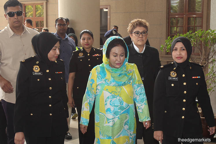 Rosmah and former aide Rizal arrive at KL Sessions Court