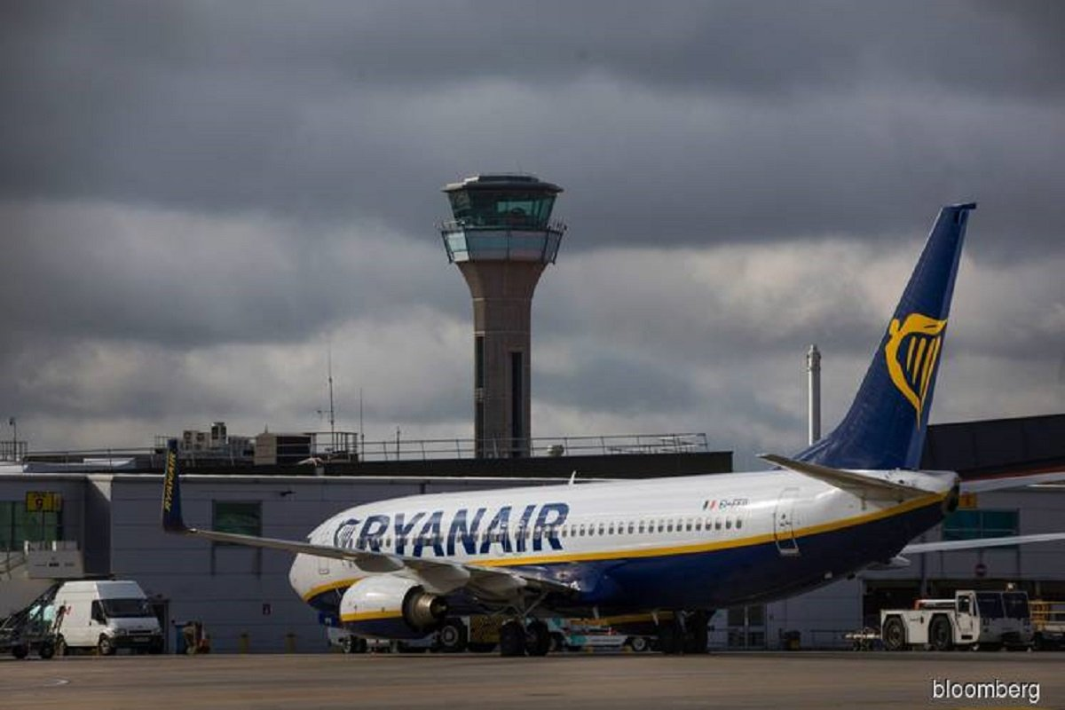 Ryanair cancels some UK services in dispute over foreign jets