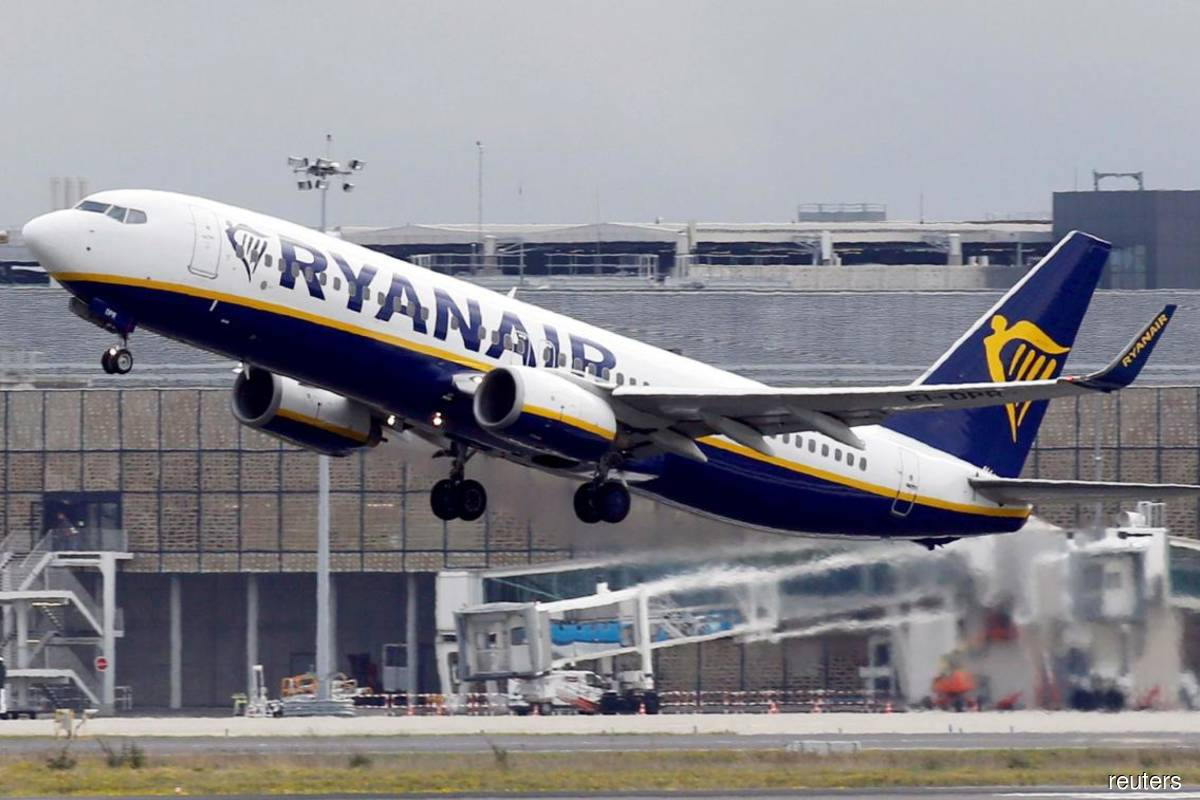 UK launches action against Ryanair, British Airways over refunds