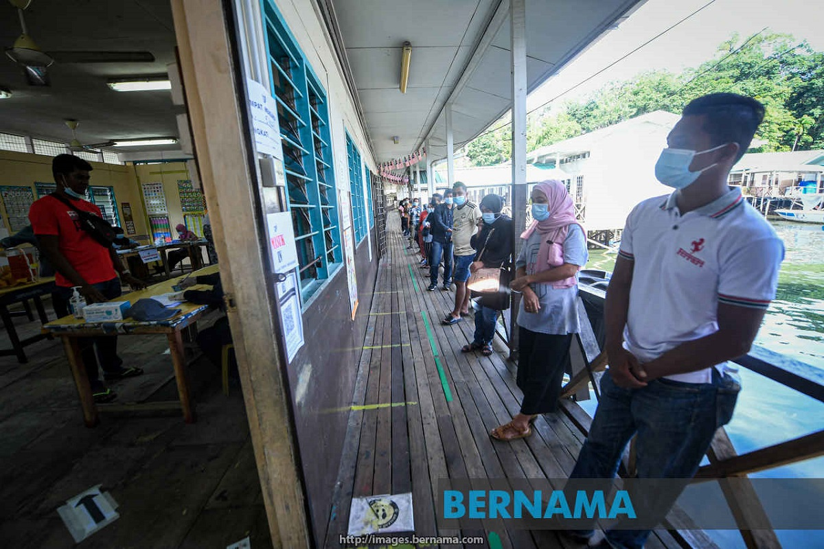Sabah election: Voters use social media to share experience at polling centres