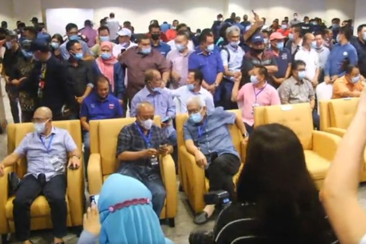 Sabah election: Different moods, atmosphere at GRS, Warisan camps tonight