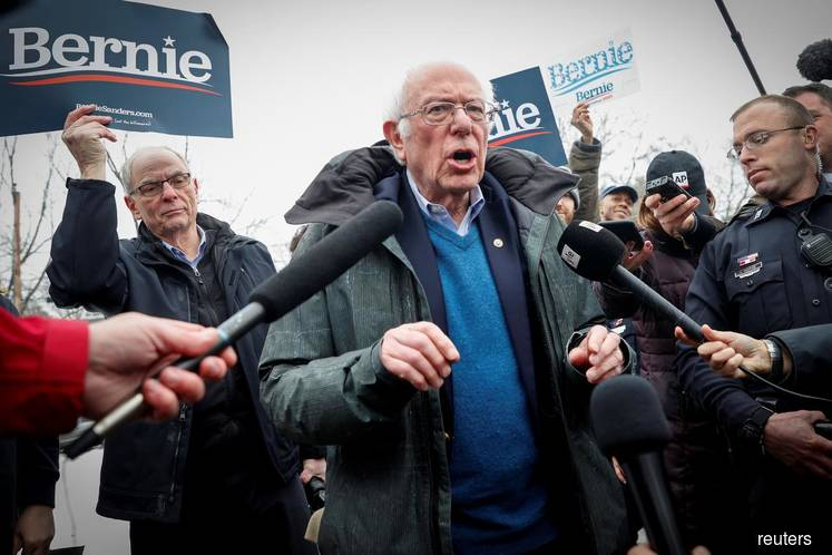 Sanders takes lead in New Hampshire Democratic primary, Biden lags badly