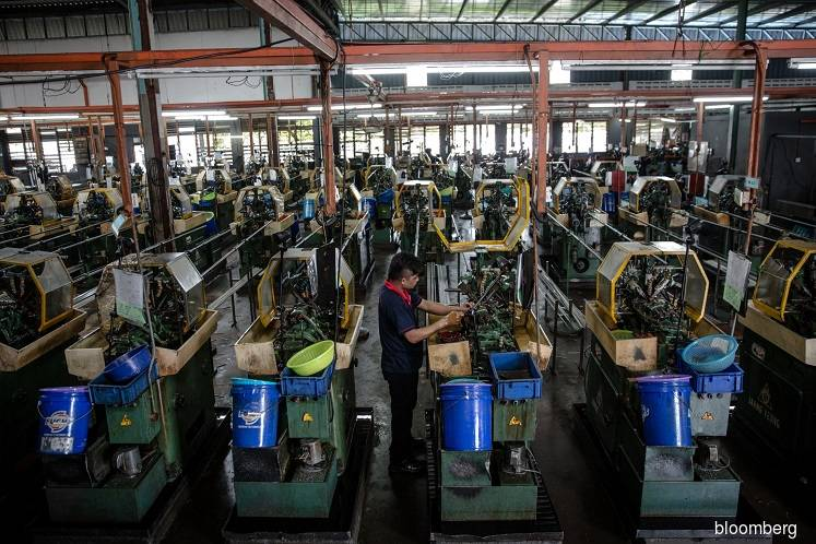 Malaysia's manufacturing sales post a significant drop of 33% in April 2020