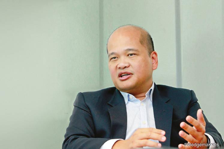 'Control GLCs via regulators, not golden share'