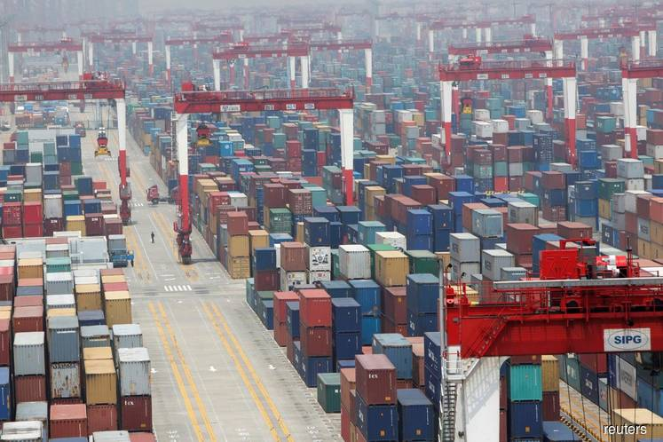 China will lower import tariffs on over 850 products from Jan 1