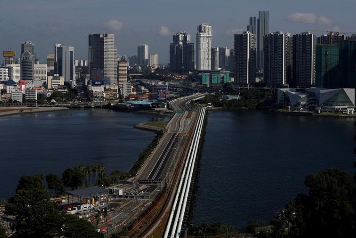 Travellers from Malaysia going to Singapore can soon serve quarantine at home