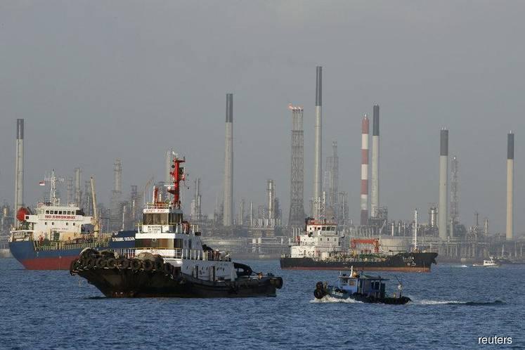 Lackluster gasoline, naphtha markets pummel Asian refining margins